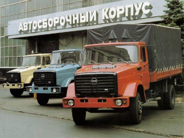 «ЗИЛ-4331» на территории завода
