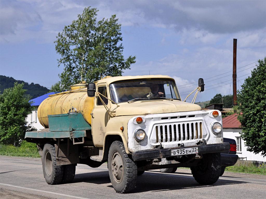 О сферах применения и модификациях «ГАЗ-53»02