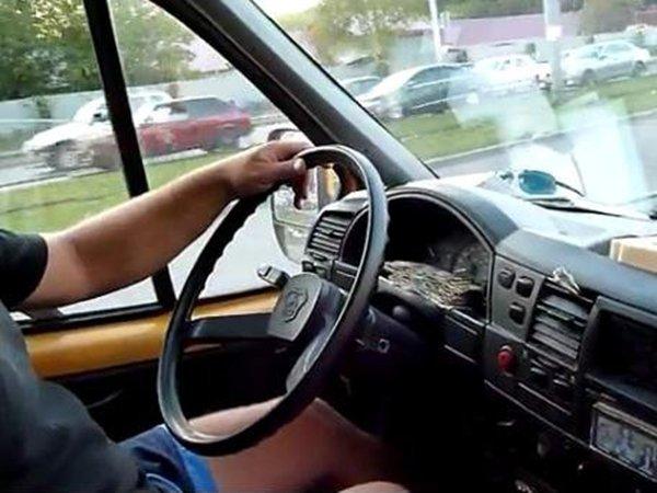 Рулевое и тормозное управление, компоновка салона «ГАЗ-322132»