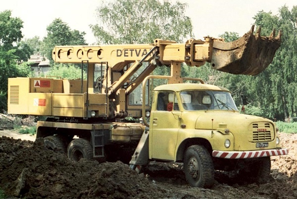 Варианты исполнения грузовика«Татра-148»-01