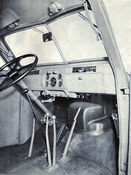 Фото 16. Интерьер кабины Studebaker US6.