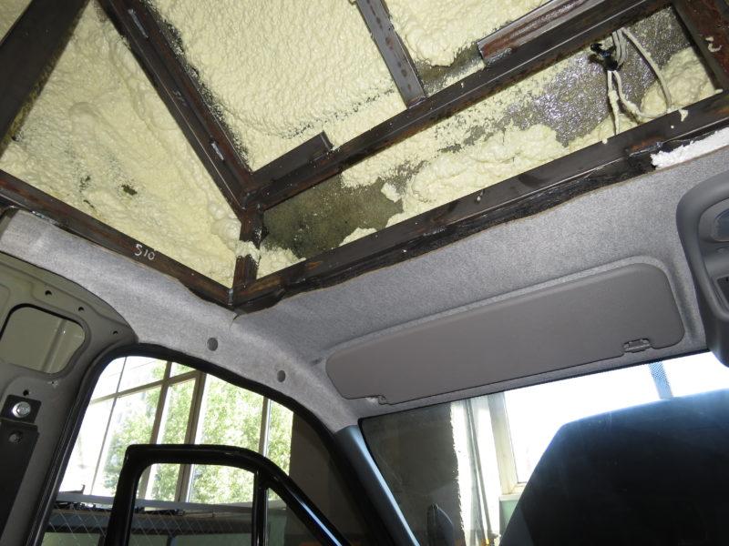 Спальник «Луидор-Тюнинг» изнутри утеплен монтажной пеной (за исключением задней стенки).