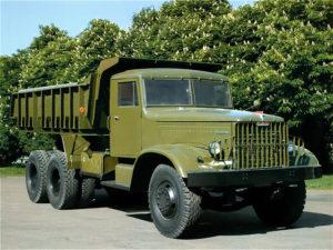 Отличия КрАЗ-256 от предшественника: КрАЗ-222