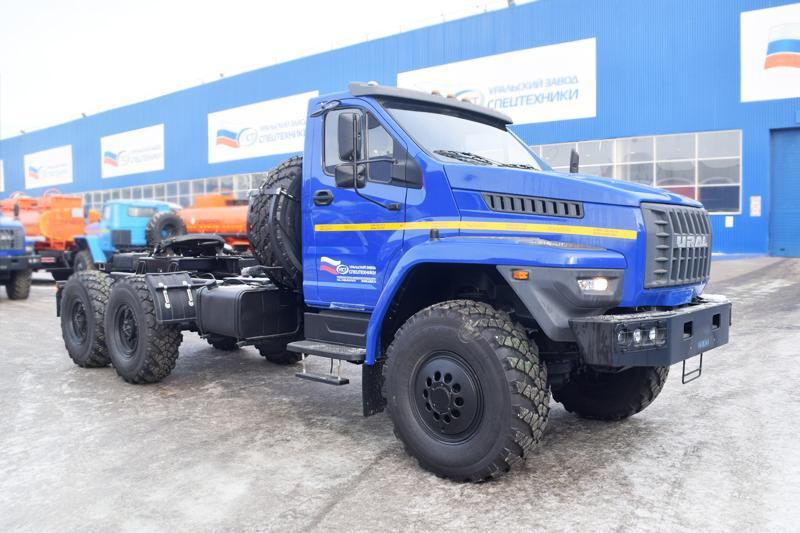 Современные модели седельных тягачей Урал-44202-01