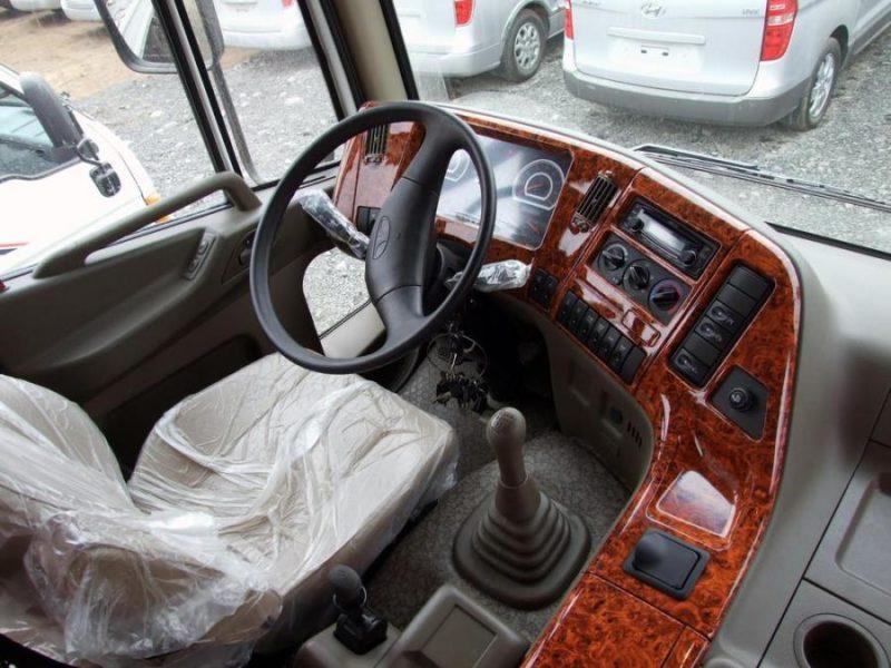 Кабина Daewoo Novus и рабочее место водителя