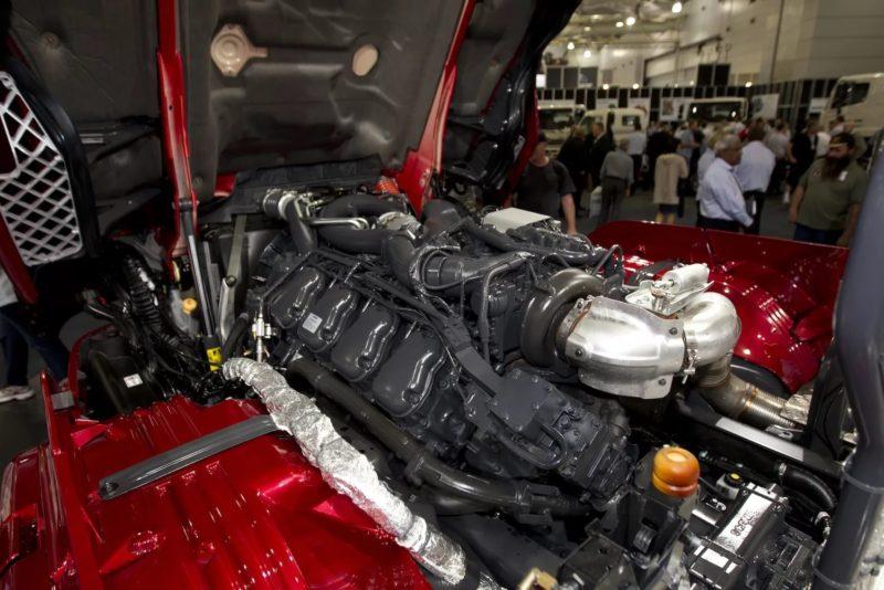 Двигатель Scania R730 V8