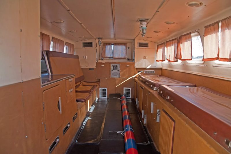 Кабина водителя и пассажирский салон (1)