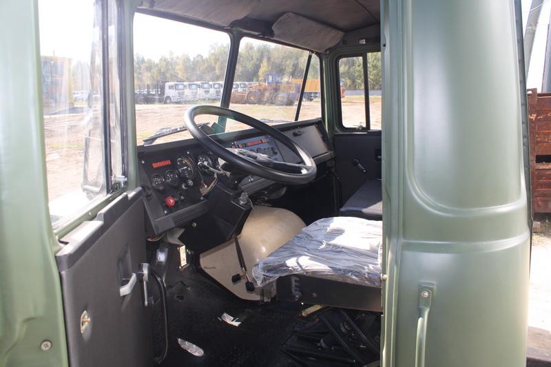 Кабина и грузовая платформа автомобиля (у бортового КрАЗ-6322)