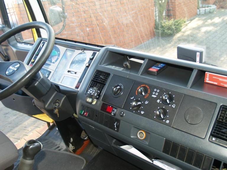 Кабина и рабочее место водителя MAN L2000
