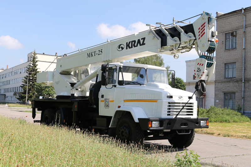 23. КрАЗ-65053
