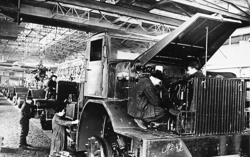 МАЗ-525. Об истории модели