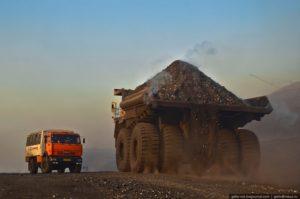 В комплектации БелАЗ-75600